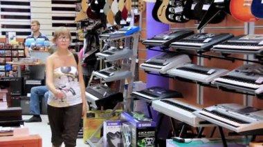Musical shop — Stock Video