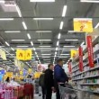 Buyers in supermarket — Stock Video