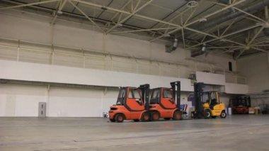 Caricatori camera e carrelli di stoccaggio — Video Stock