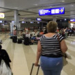 International airport Borispol. Waiting space in new terminal F — Stockvideo