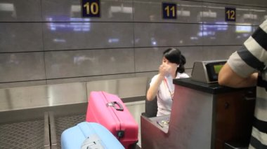 International airport Borispol. Check-in counter in new terminal F — Stock Video