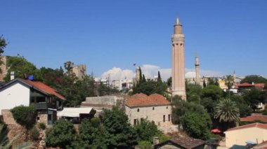 Kaleici - old town. Yivli minaret. Antalya, Turkey — Stock Video