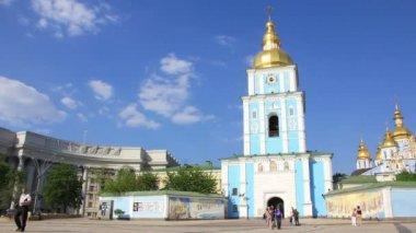 Mikhailovsky Golden-Domed Monastery in Kiev, Ukraine — Stock Video