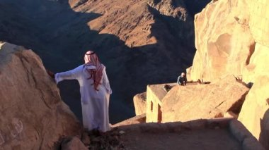 Bedouin on Mount Sinai in Egypt — Stock Video