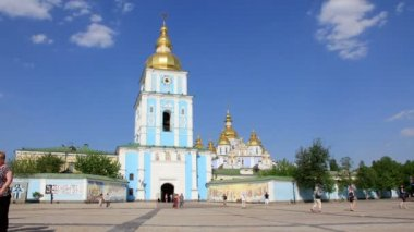 Mikhailovsky Golden-Domed Monastery in Kiev, Ukraine — Stock Video