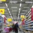In supermarket — Stock Video