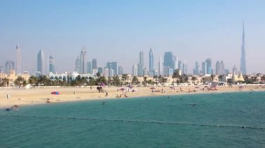 Jumeirah beach, Dubai downtown and Burj Khalifa United Arab Emirates — Stok video