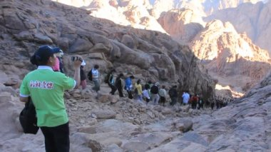 Pilgrims. Moses Mountain. Sinai Peninsula. Egypt — Stock Video