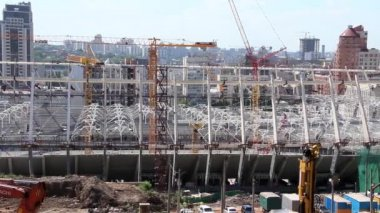 Reconstruction du stade de football républicain pour l'euro 2012 à kiev, ukraine — Vidéo