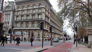 LONDON, ENGLAND, NOVEMBER 15, 2012: on the street in London, England, November 15, 2012 — Стоковое видео
