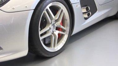 Motor show. Mercedes-Benz SLR McLaren Stirling Moss — Stock Video