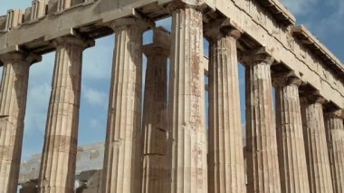 Parthenon ancient temple in Athenian Acropolis, Greece — Stock Video