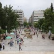 Stock Video: People on SyntagmSquare in Athens, Greece