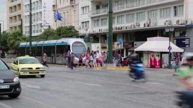 Road traffic in Athens, Greece — ストックビデオ