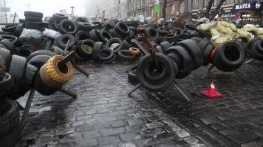 Barricades on the Khreshchatyk street — Stock Video