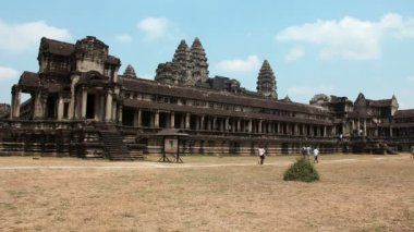 People in Angkor Wat, Siem Reap, Cambodia — Stock Video
