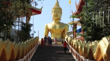 Pratumnak Hill and Big Golden Buddha statue in Pattaya, Thailand — Stock Video