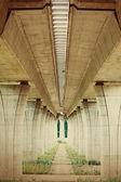 Highway konstruktion under bron — Stockfoto