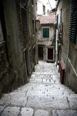 Narrow and old street in Sibenik city, Croatia, medieval zone — Stock Photo