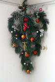 Esquina con temática de navidad árbol de navidad — Foto de Stock