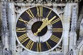 在萨格勒布大教堂时钟 — 图库照片