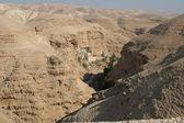 圣乔治修道院在朱迪亚沙漠 — 图库照片