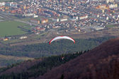 Paragliding above Maribor city, Slovenia — Stock Photo