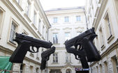 Guns in prague — 图库照片