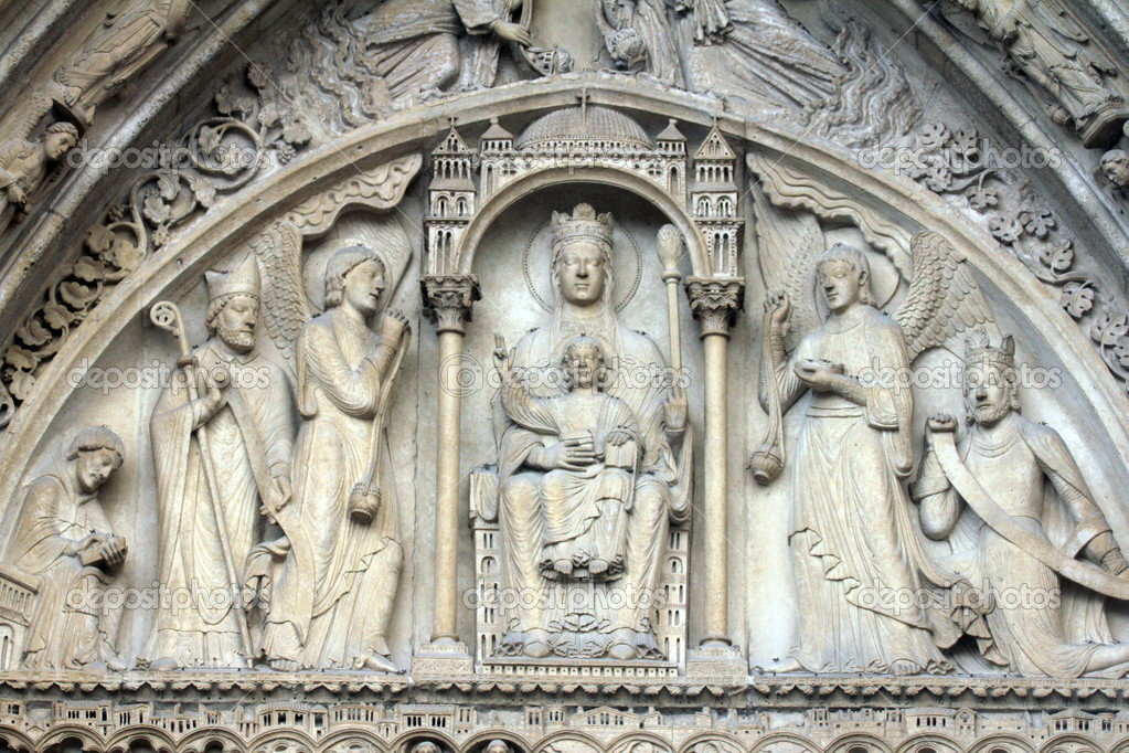 Virgin and Child on a throne, Notre Dame Cathedral, Paris, Portal of St. Anne — Stock Photo #18072585