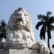 Antique Lion Statue at Victoria Memorial Gate, Kolkata, India — Foto de Stock