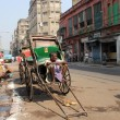 Rickshaw mwaits for customer, Kolkata, India — Stok Fotoğraf #32077161