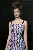 Fashion model wearing clothes designed by Tramp in Disguise on the Zagreb Fashion Week show — 图库照片