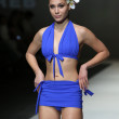 Fashion model wearing clothes designed by S.Dresshow on the Zagreb Fashion Week show — Lizenzfreies Foto
