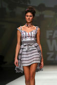 Fashion model wearing clothes designed by Tramp in Disguise on the Zagreb Fashion Week — Photo