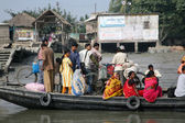 Wooden boat crosses the Ganges River in Gosaba, West Bengal, India. — Stok fotoğraf