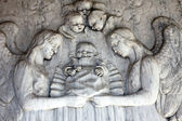 Detail of a mourning sculpture on a Mirogoj cemetery, Zagreb, Croatia — ストック写真