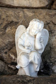 A white mourning porcelain angel at Mirogoj cemetery, Zagreb, Croatia — Stock Photo
