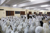 Sisters of The Missionaries of Charity of Mother Teresa at Mass in the chapel of the Mother House, Kolkata — Stock Photo