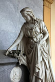 Detail of a mourning sculpture on a Mirogoj cemetery, Zagreb — Stock Photo