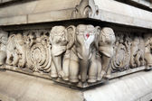 Stone carvings in Hindu temple Birla Mandir in Kolkata — Stockfoto