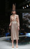 Fashion model wearing clothes designed by Robert Sever on the 'Fashion.hr' show — Foto de Stock