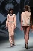 "Fashion model wears clothes made by Tatjana Pantos on ""CRO A PORTER"" show — Stock Photo"