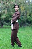žena cvičí cvičení tai chi — Stock fotografie