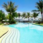 Beautiful tropical swimming pool — Stock Photo #30485201