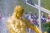 Closeup samson fontána v peterhof, rusko — Stock fotografie