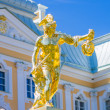 Perseus gold statue in Peterhof — Stock Photo #43935957