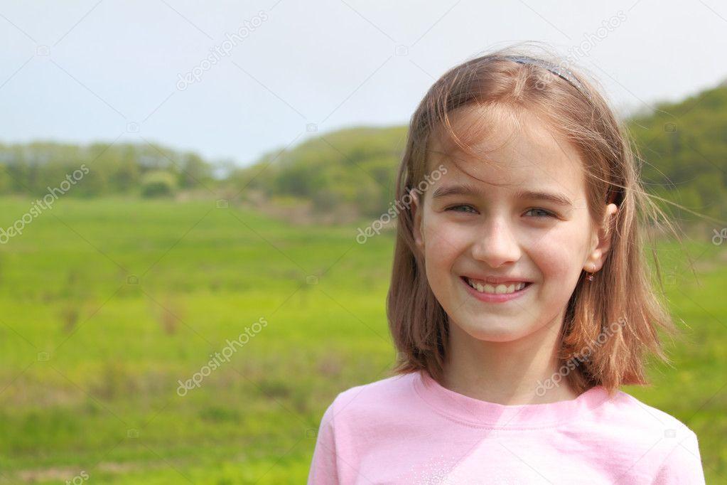 微笑女孩的肖像