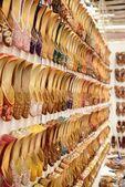 Un mercato di scarpe — Foto Stock