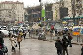 沿着 khreschatyk 街在基辅的军用帐篷 — 图库照片