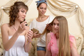 Drei freundinnen — Stockfoto